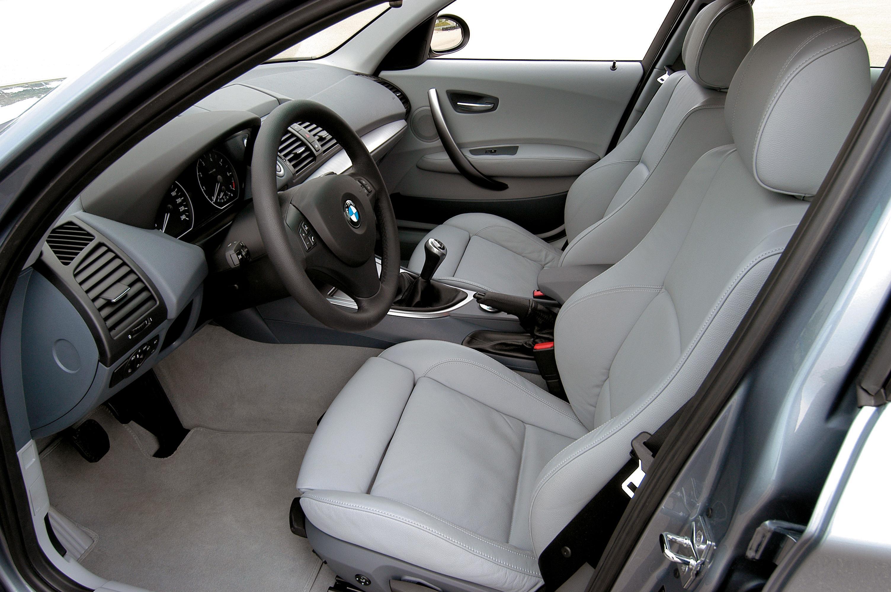 Вода под ковриками передних сидений BMW 1-Series Е87