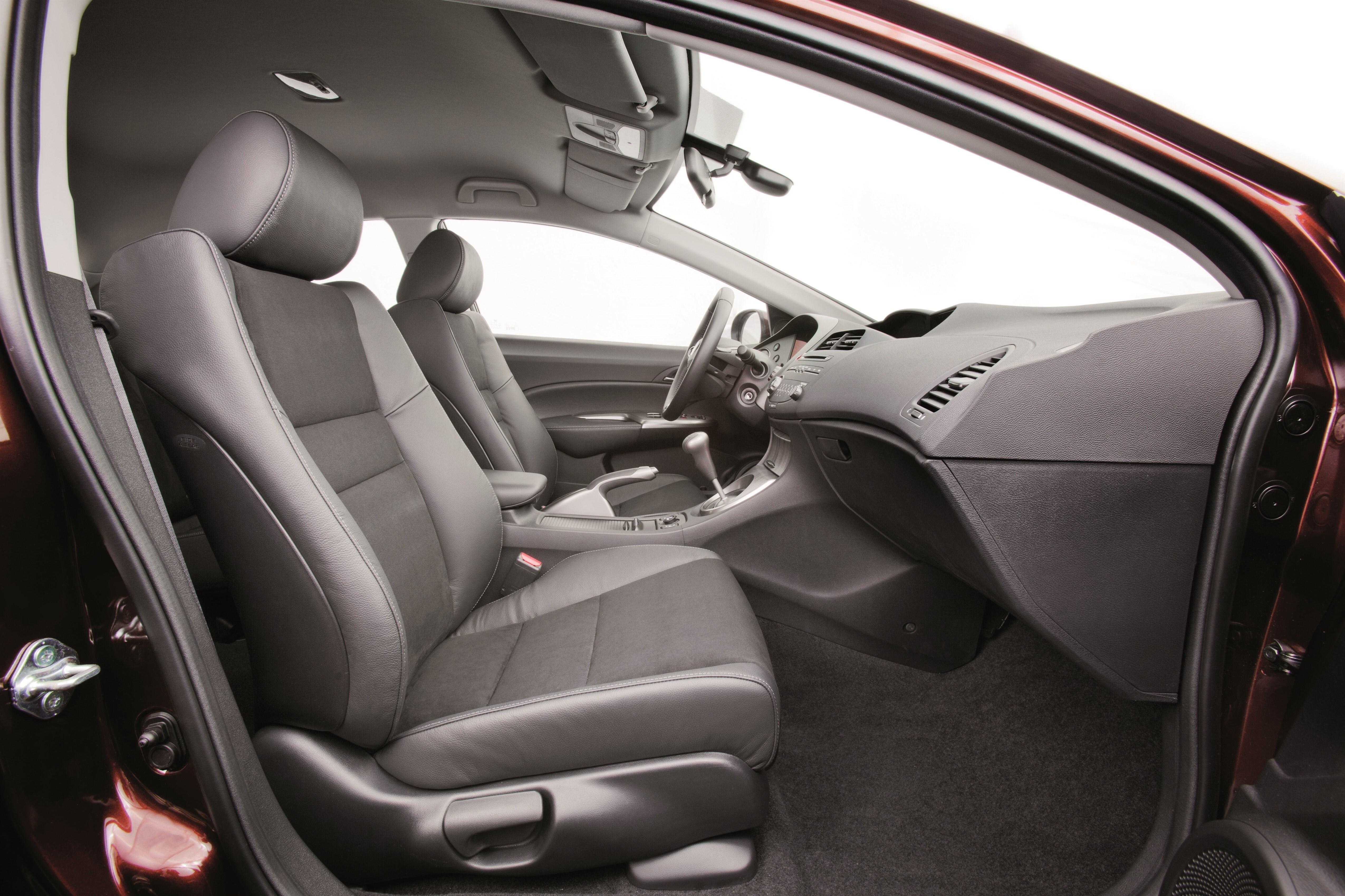 Замена зеркала заднего вида на Honda Civic 8