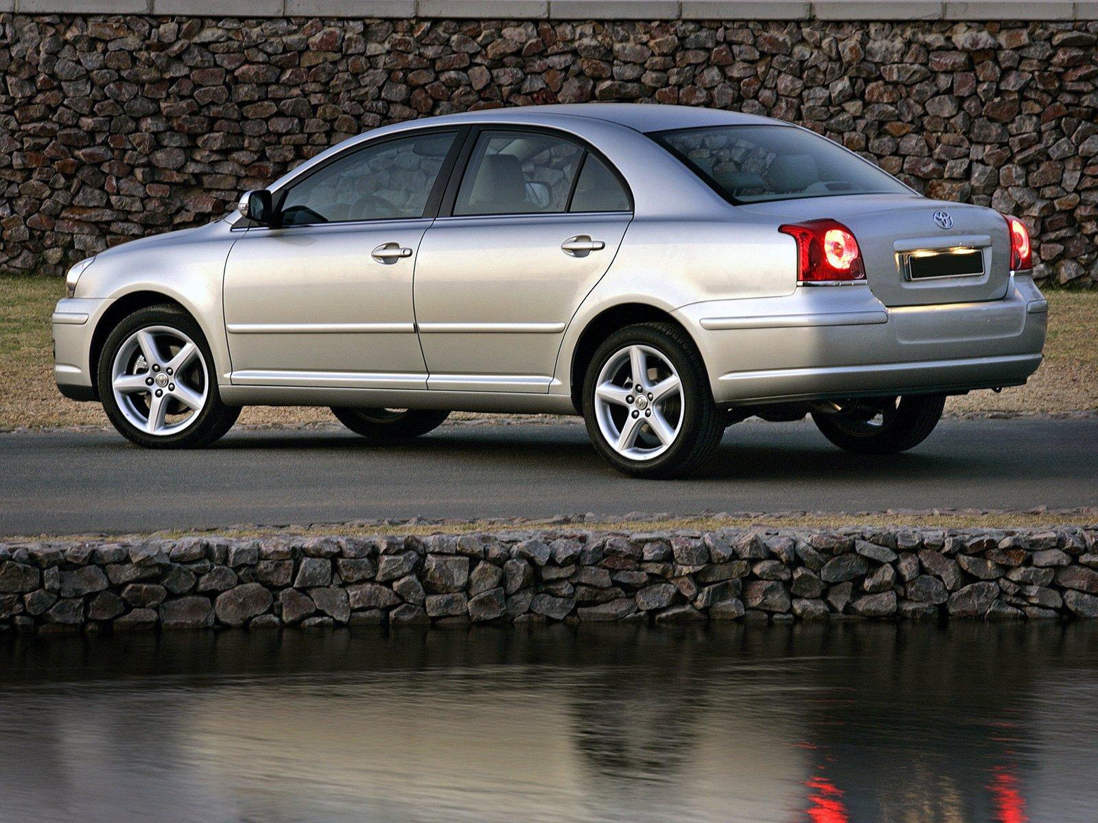 Максимальная масса прицепа для Toyota Avensis II