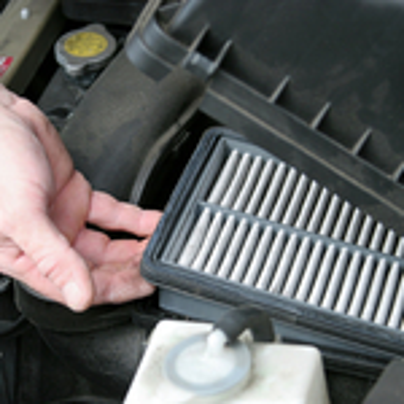 Очистка и замена воздушного фильтра на Ford Mondeo III фото