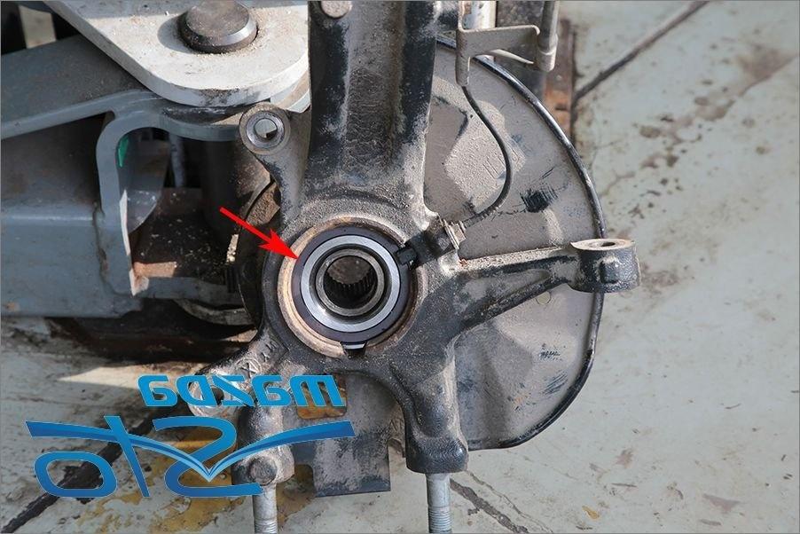 Замена подшипника передней ступицы на Mazda 3 (I)