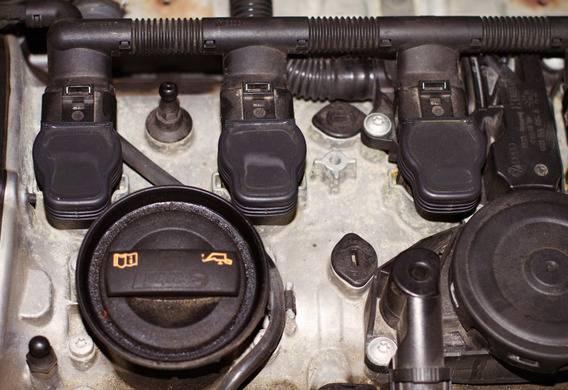 Снятие и установка катушки зажигания на Mazda 3 (I)