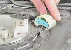 Снятие и установка блока топливного насоса на Mazda 3 (I)