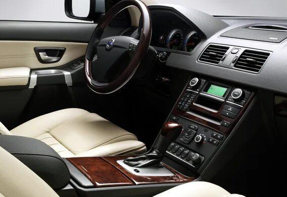 Дребезжание в дверях Volvo XC90