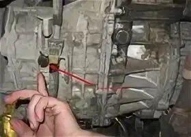 Проверка и замена масла в раздаточной коробке на Toyota Prius