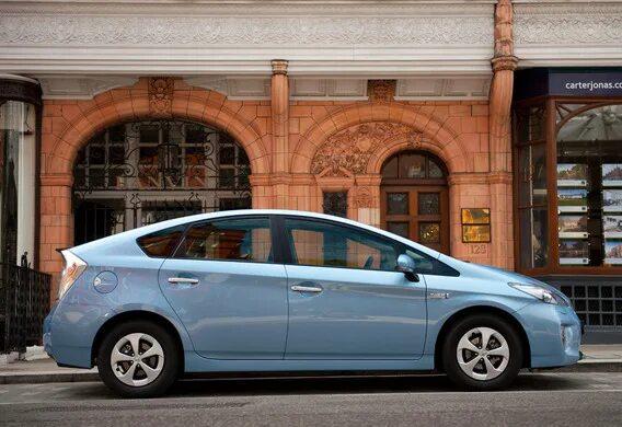 Важные моменты при замене колеса на Toyota Prius