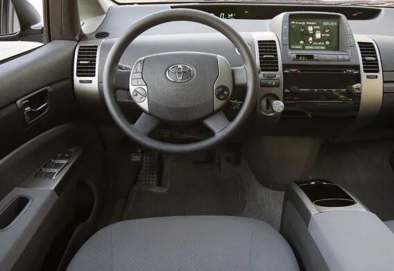 Замена ТВ-тюнера на Toyota Prius