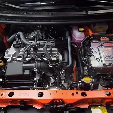 Емкость контуров охлаждения бензинового двигателя на Toyota Prius фото