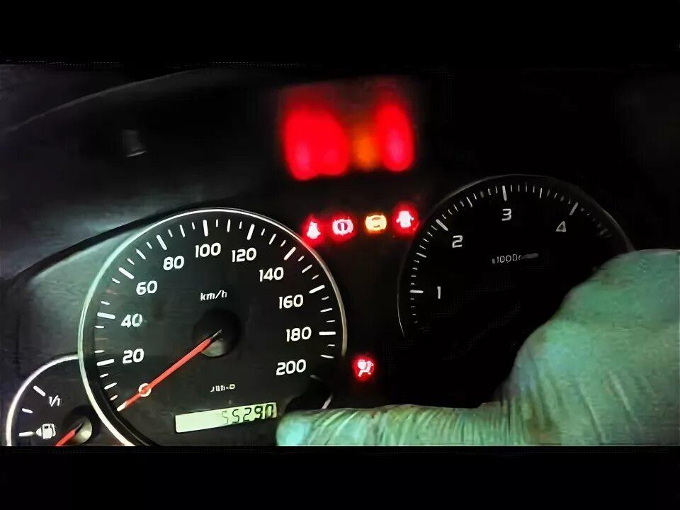 Удаление сообщения MAINT REQD (требуется сервис) на Toyota Prius