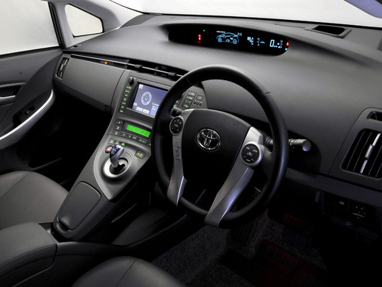 Включение и выключение Toyota Prius