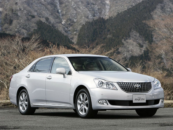 Фотографии Toyota Crown Majesta V поколение 2009-2015 (2009-2015)