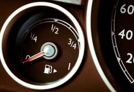 Можно ли сбросить счетчик расхода топлива на Toyota Camry VI