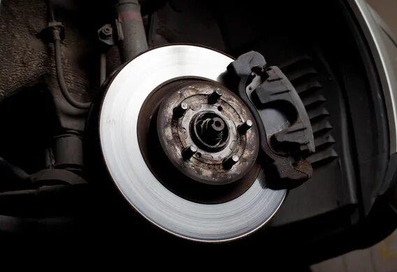 Замена задних тормозных колодок на Dodge Caliber