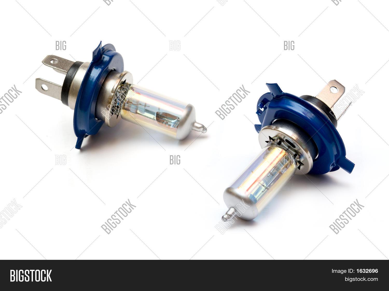 На Infiniti FX 35/45 (1gen) периодически не включается ксеноновая лампа ближнего света. Иногда левая, иногда правая