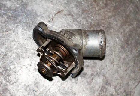 Снятие и установка термостата на Honda Civic VIII