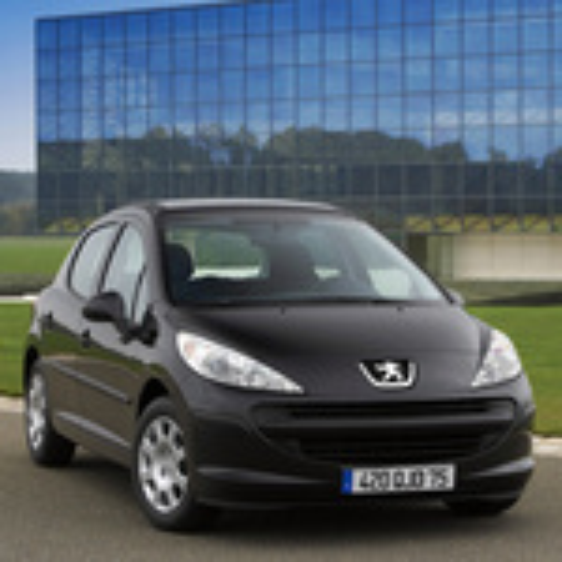 Отказал насос омывателя лобового стекла в Peugeot 207 фото