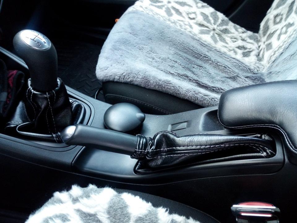 Замерзает рычаг механической коробки передач Renault Fluence