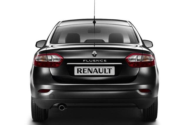 Останутся ли отверстия, если снять значок Renault и надпись Fluence сзади?