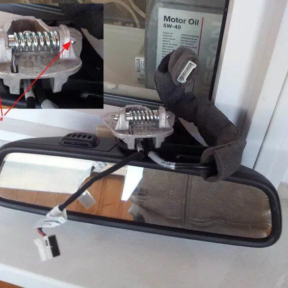 Замена салонного зеркала Mercedes-Benz C-Klasse (W204) на зеркало с затемнением фото