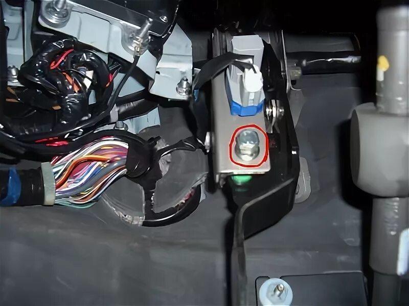 Провалилась педаль сцепления на Mazda 6 I MPS