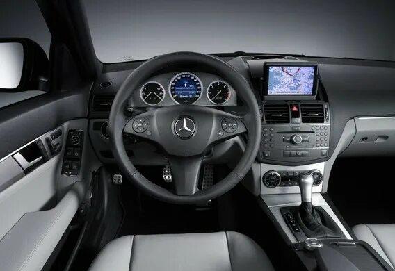 Окно на Mercedes-Benz C-Klasse (W204) не закрывается полностью