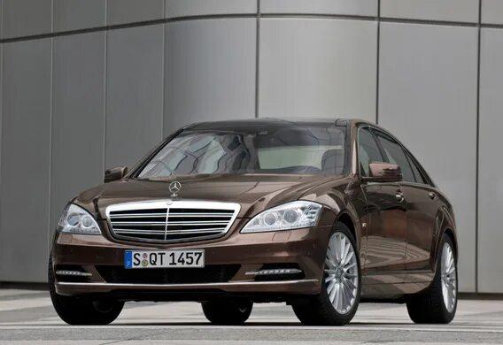 Особенности рестайлингового Mercedes-Benz S-klasse (W221)