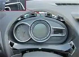 Снятие приборной панели на Renault Fluence