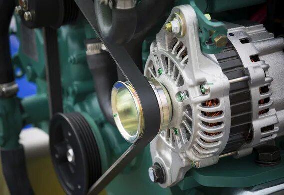 Демонтаж генератора на Ford Focus I с мотором 1.8 л.