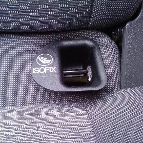 Крепление ISOFIX для детского кресла фото