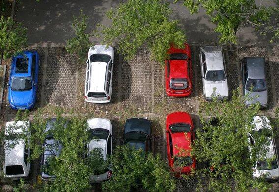 Что делать, если машину поцарапали во дворе или на парковке