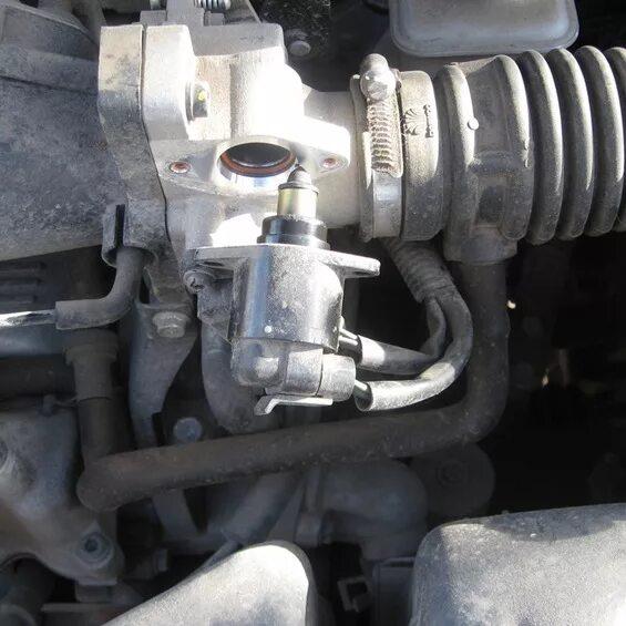 Двигатель ВАЗ глохнет на холостых фото
