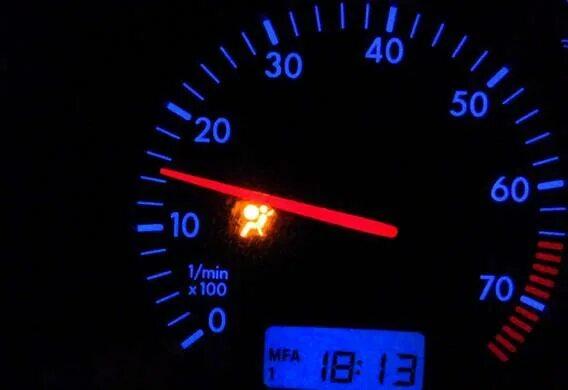 падение оборотов двигателя на холостом ходу toyota
