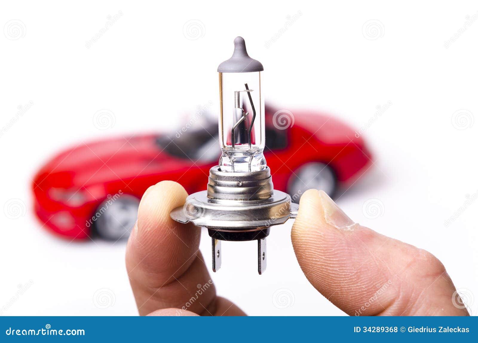 Какие лампочки стоят в противотуманных фарах Hyundai Accent